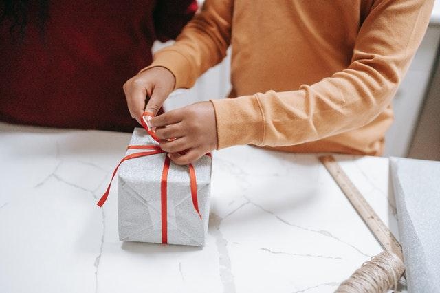 prezent na dzień chłopaka